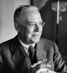 Wallace Stevens -- insurance man by day, one of America's greatest poets by night